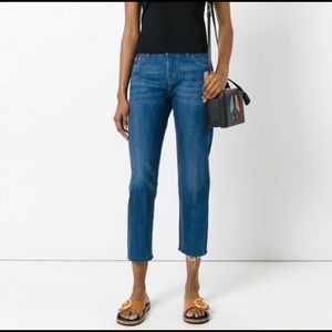 Cropped Levi's jeans